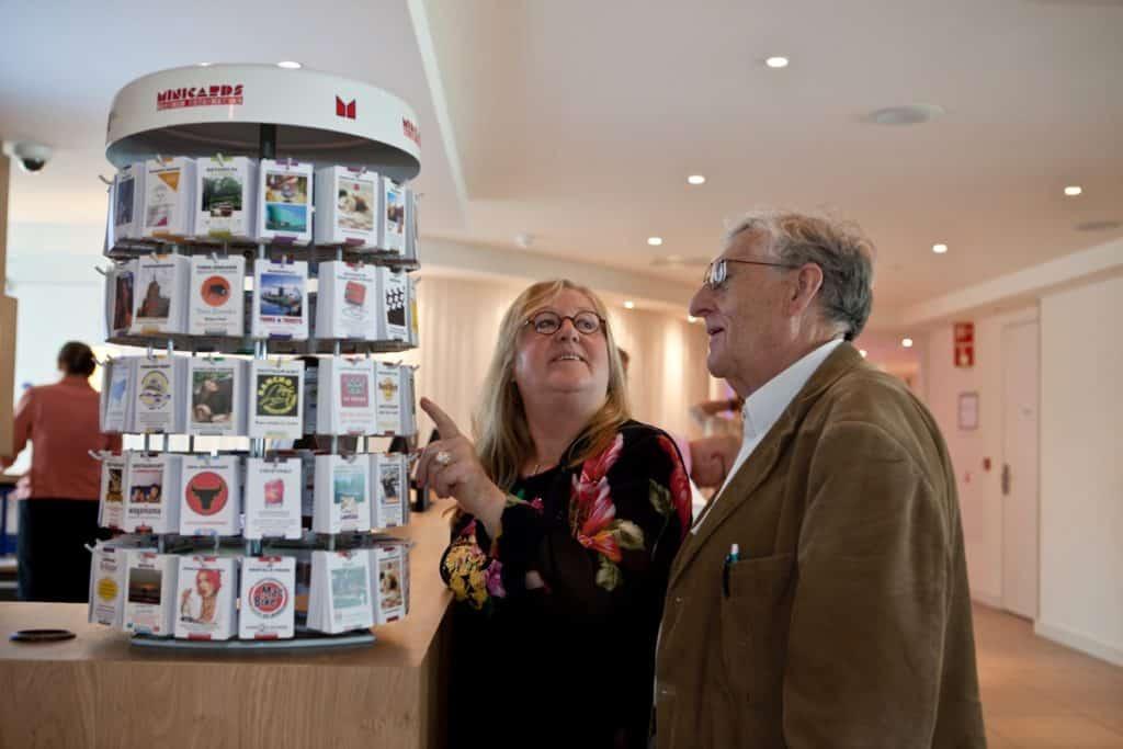 Turisták felismerik a Minicards kártyákat